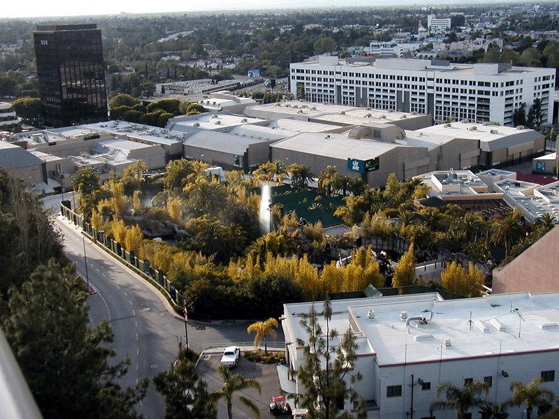 84 Universal Studios.jpg