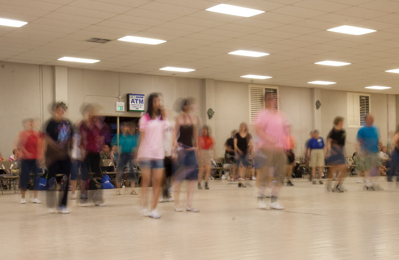 5917 DancersBlur med.jpg