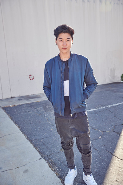 5'11 | Waist 30 | Shoe 10 | 140lbs Ethnicity: Korean Skills: Edgy, Hip, Young Korean Model