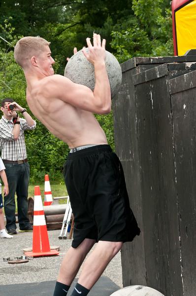 Fitness Revolution Strongman Challenge 2011_ERF4391.jpg