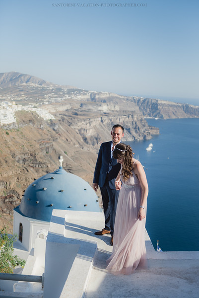 Santorini-post-wedding-photo-shoot-honeymoon-sessio-couples-session--5.jpg