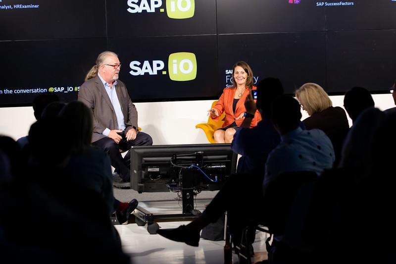 #demoday #SAPiOSF @Sap_iO Amy Wilson @awils SAP SuccessFactors, mr. mild irony @JohnSumser