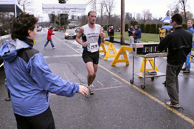 2005 Comox Valley Half Marathon - ComoxHalf2005-Al-Livsey-031.jpg
