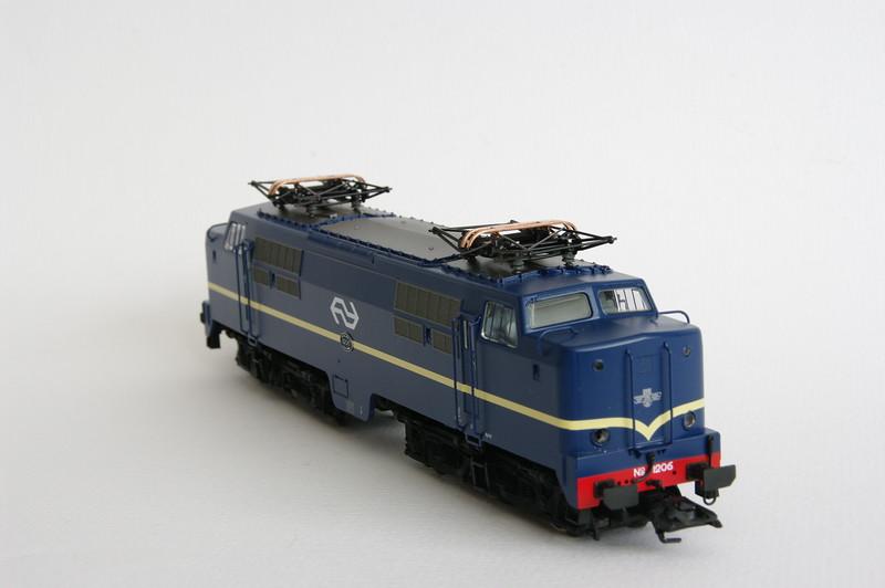 37121.1 NS 1206 Berlijns Blauw met logo 6.jpg