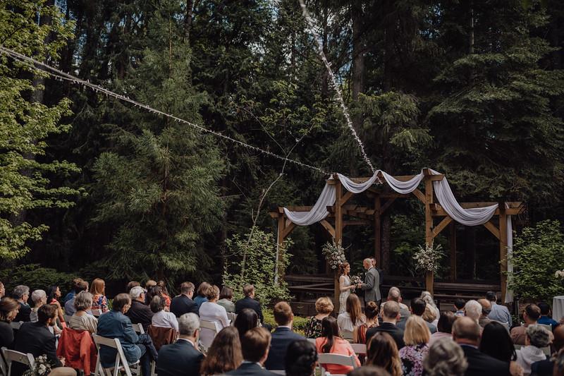 2018-05-12_ROEDER_JulieSeth_Wedding_ROEDER1_0135.jpg