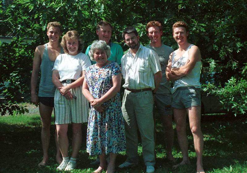 1992 Christmas, Andrew, Susan, Mary, Graham, Ewan Allen & David.jpg