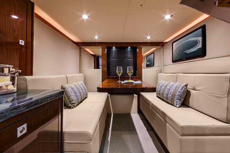 2015-410-Aft-Lounge-Table.jpg