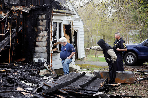 Fire demolishes Swamp Road home-050419