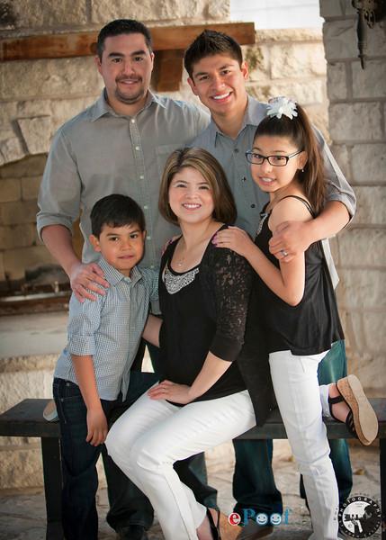 Rodriguez Family Portraits 31314