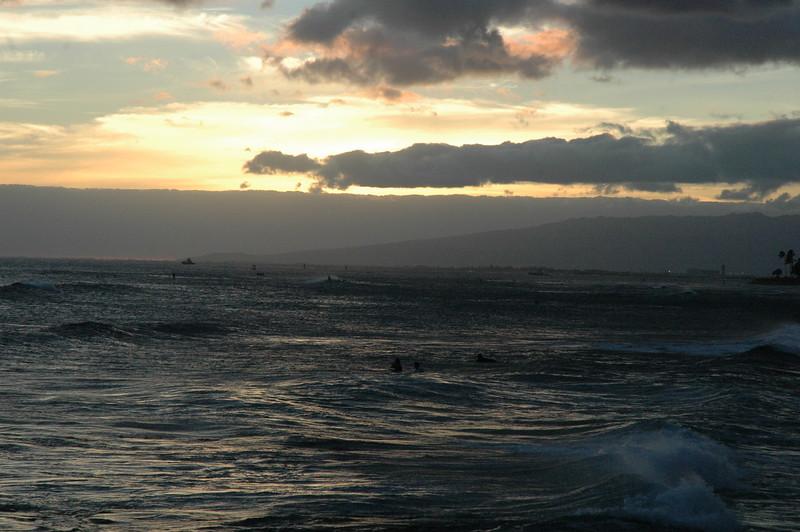 Hawaii - Ala Moana Beach Sunset-71.JPG