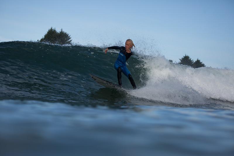 150906_Tofino_AM_Surf_7432.jpg