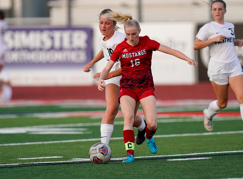 CCHS-vsoccer-pineview1544.jpg