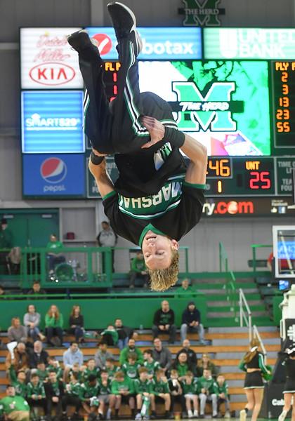 cheerleaders1736.jpg