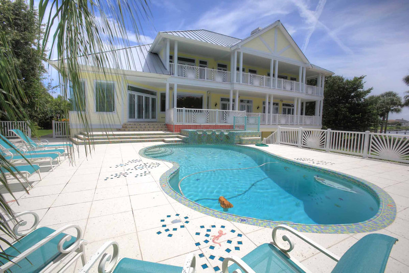 Back of House & Pool.jpg