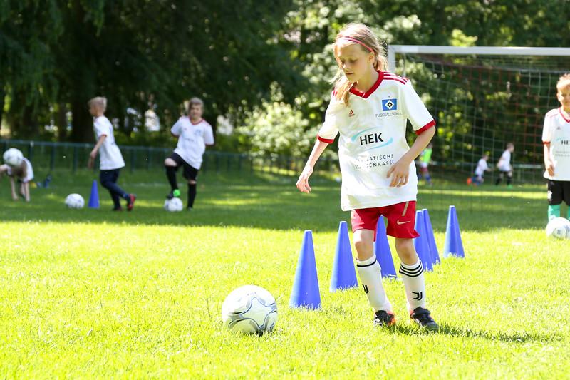 hsv_fussballschule-412_48047955886_o.jpg