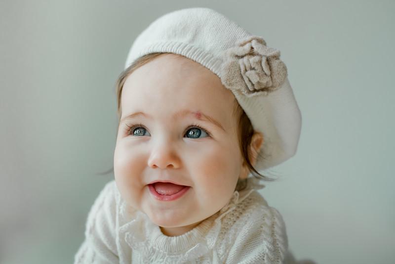 alice 7 months-55.jpg