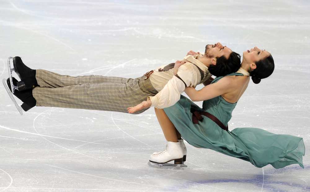 . Italy\'s Federica Faiella and Massimo Scali perform in the Figure Skating Ice Dance free program, at the Pacific Coliseum in Vancouver during the XXI Winter Olympics, on February 22, 2010. (DIMITAR DILKOFF/AFP/Getty Images)