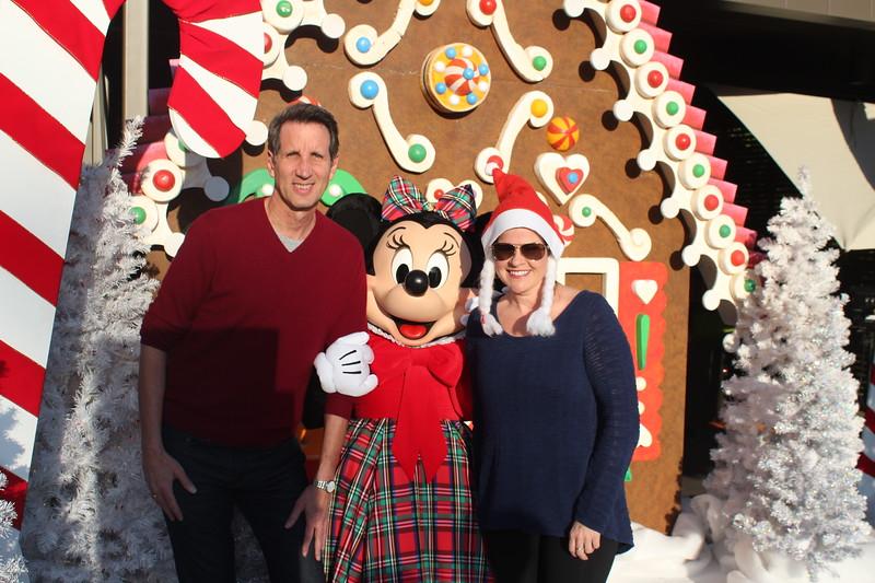 Walt_Disney_Imagineering_Holiday_2017_Individuals_ (42).JPG