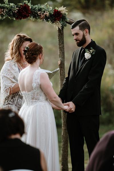rustic_ohio__fall_barn_wedding-219.jpg