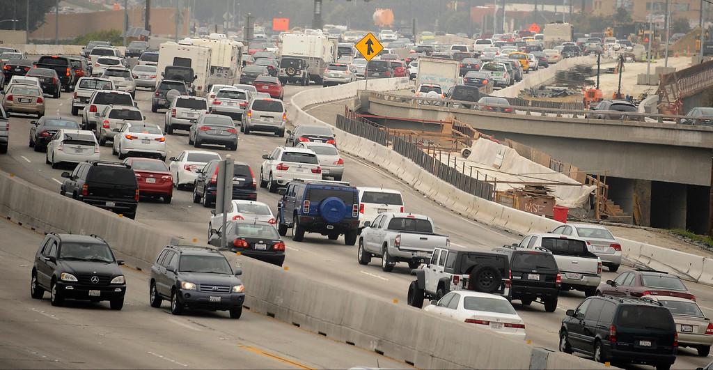 . North bond 405 freeway traffic jammed during the 2013 LA Marathon. Santa Monica March 17,2013. Los Angeles Photo by Gene Blevins/LA DailyNews