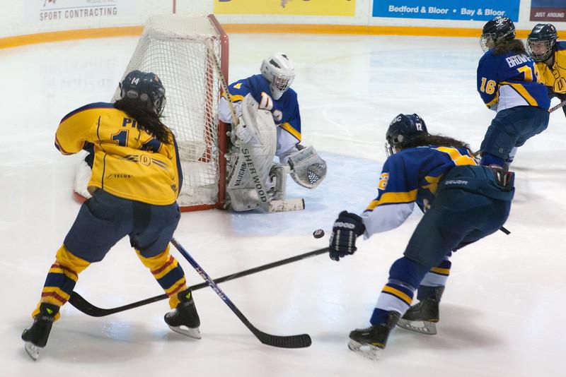 20130310 QWHockeyvsUBC 358.jpg