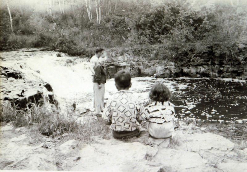 Gladys, Bud, George & Edwin.JPG