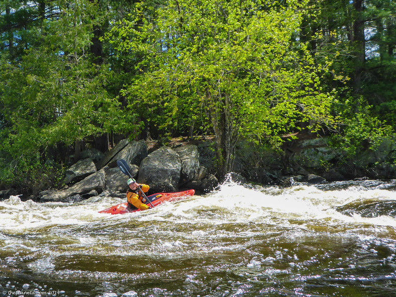 whitewater-kayaking-madawaska-kanu-center-ontario-2.jpg
