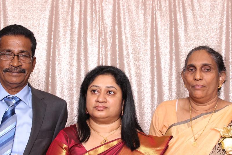 Boothie-PhotoboothRental-PriyaAbe-O-12.jpg