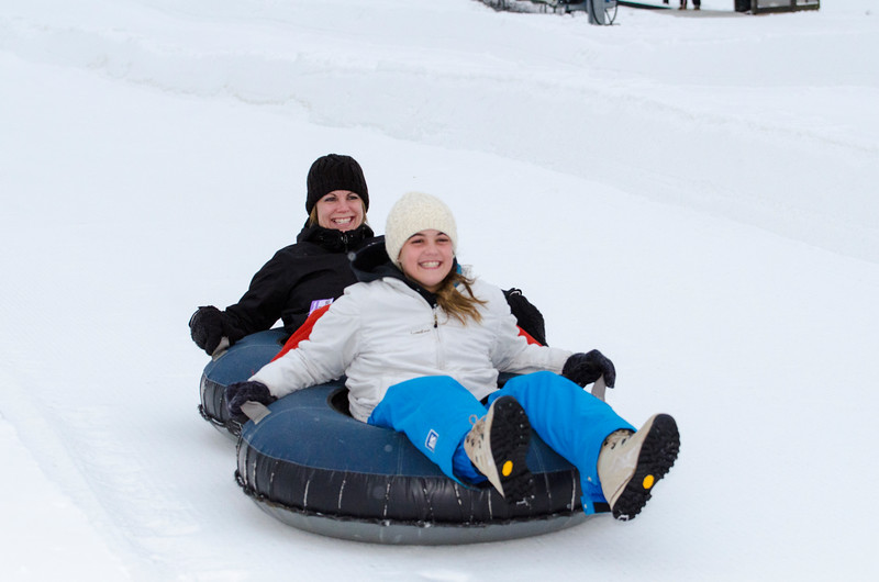 Opening-Day-Tubing-2014_Snow-Trails-71010.jpg