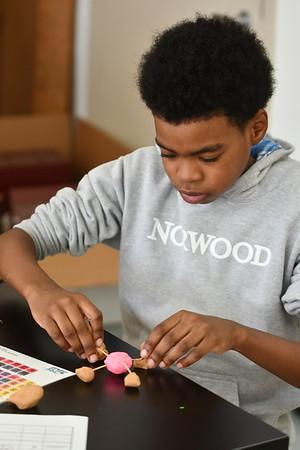 Building Molecules in Fifth Grade Science