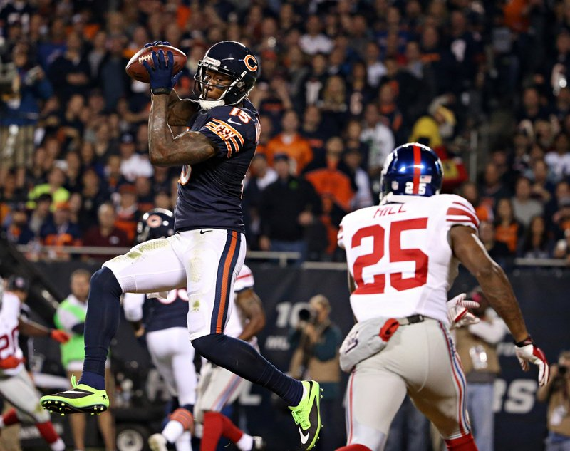 . <p><b> Bears at Redskins (even):</b>  <p>Chicago�s Brandon Marshall was fined $10,500 for wearing green cleats during last Thursday night�s game, violating the league�s uniform rules. He apparently wore the shoes to draw attention to Idiot Receiver Awareness Week. <p>Pick: <b>Redskins by 3</b> <p>    (Brian Cassella/Chicago Tribune/MCT)