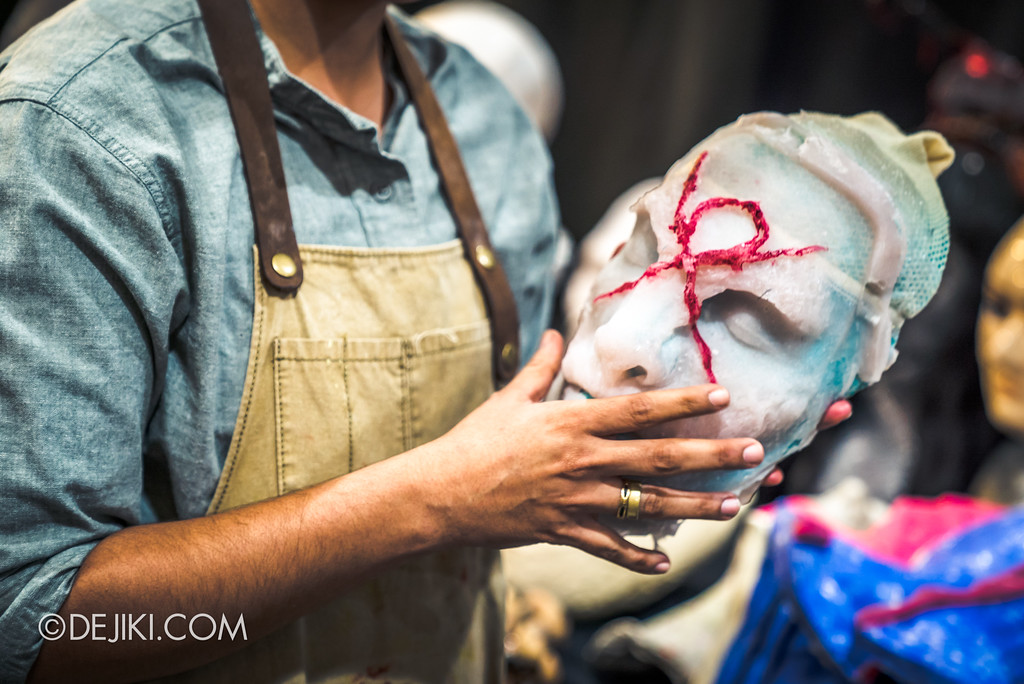 Halloween Horror Nights 7 Behind the Scenes: The Making of the Midnight Man, Iconic Character for HEX haunted house - Silicone mask Midnight man