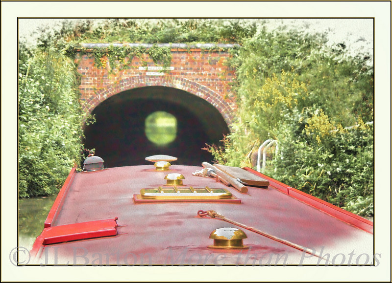 Aim for the Light Dunhampstead Tunnel  216 meters on the Worcester and Birmingham canal Yes, two boats can pass in the tunnel