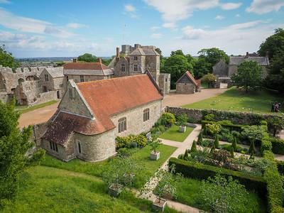 EH Carisbrooke Castle