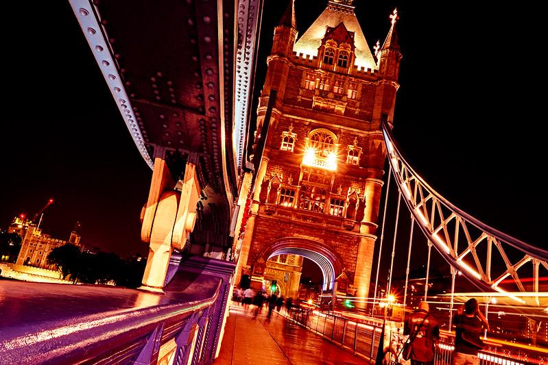 Nightlife on the Bridge F1811.jpg