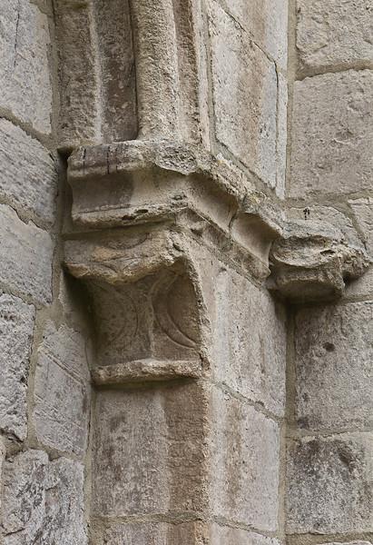 Walkenried, Klosterkirche. Südl. Nebenchor, Kapitelle