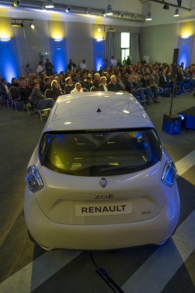 Renault-235.jpg