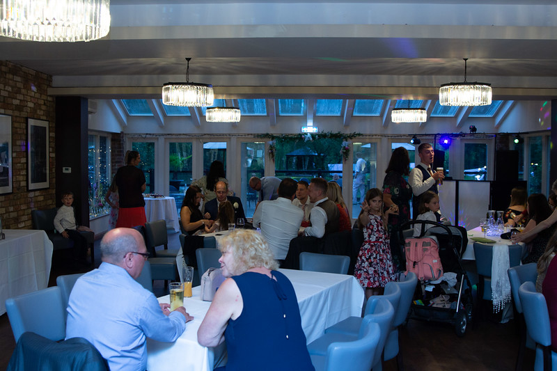 Sam_and_Louisa_wedding_great_hallingbury_manor_hotel_ben_savell_photography-0247.jpg