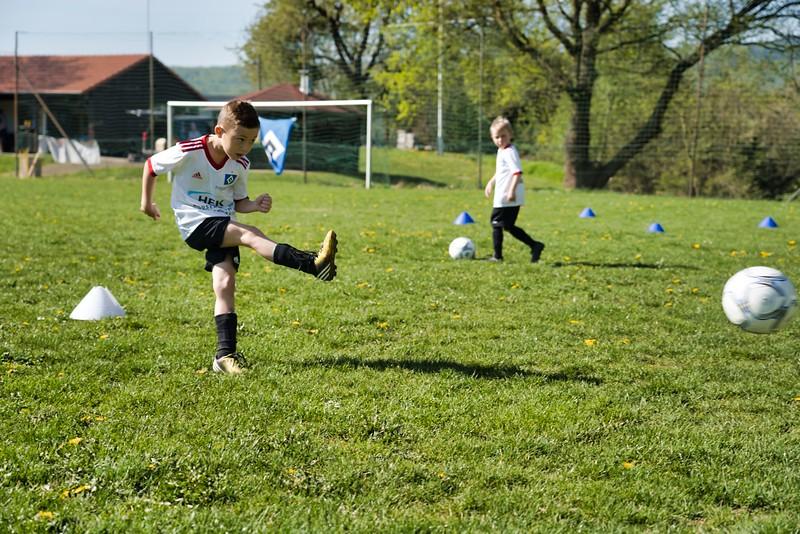 hsv-fussballschule---wochendendcamp-hannm-am-22-und-23042019-u14_32787654787_o.jpg
