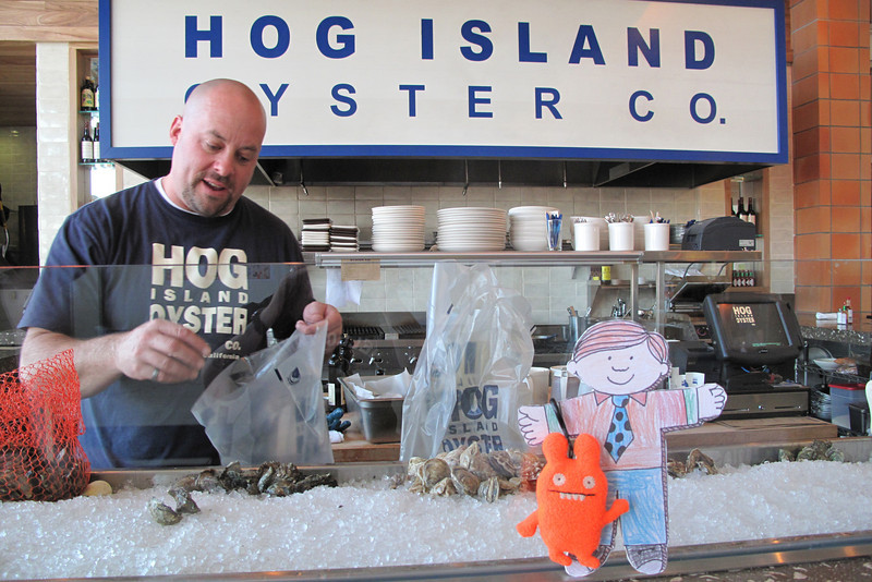 Flat Stanley picks up some fresh oysters at Hog Island Oyster Company in Napa. Two dozen kumamotos, two dozen sweetwaters. Mmmmmm.