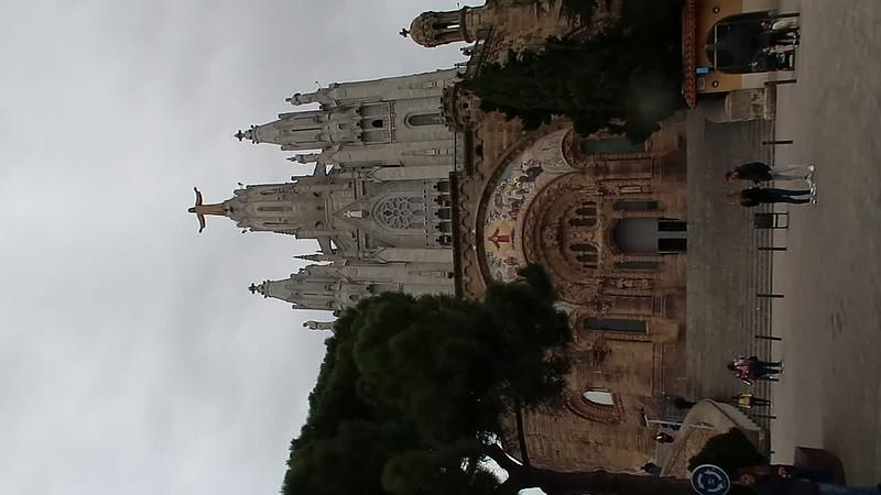 Tibidabo Church Bell ring - zoom in.MP4