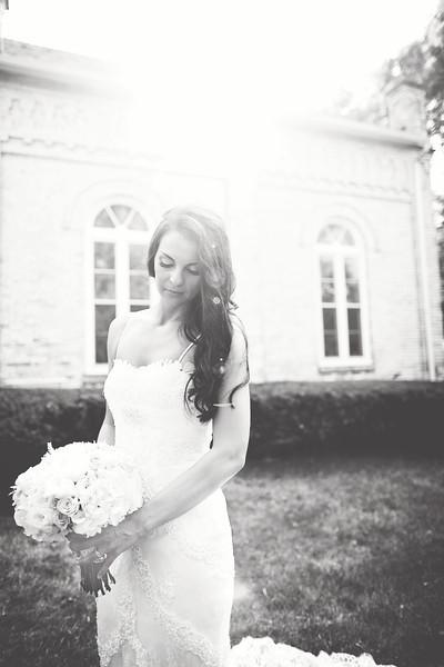 Le Cape Weddings - Megan and Yoav - Wisconsin photographer - Bride Portraits 1.jpg