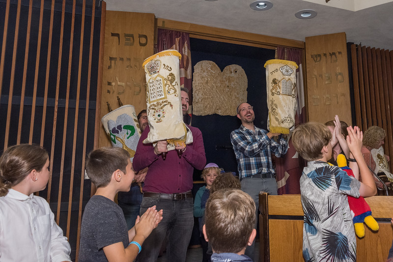 Simchat Torah-163.jpg