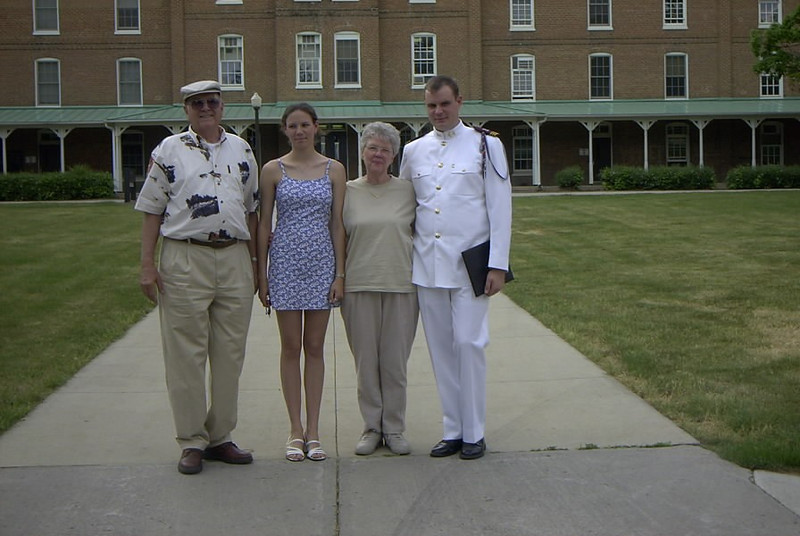 Ryan & Grandparents on VT.JPG