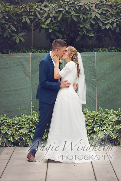 Wedding Portraits by Angie Windheim at Portland Oregon Temple