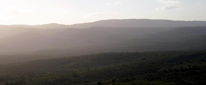 P5046247-hazy-hills.JPG