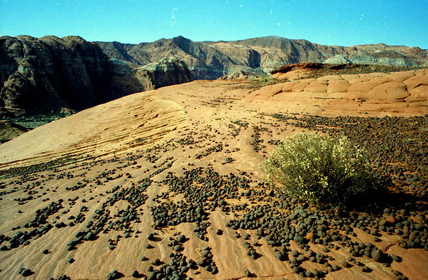 27 Moqui Marbles closeup.jpg