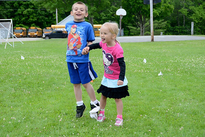 Fisher's Fabulous Field Day I photos by Gary Baker