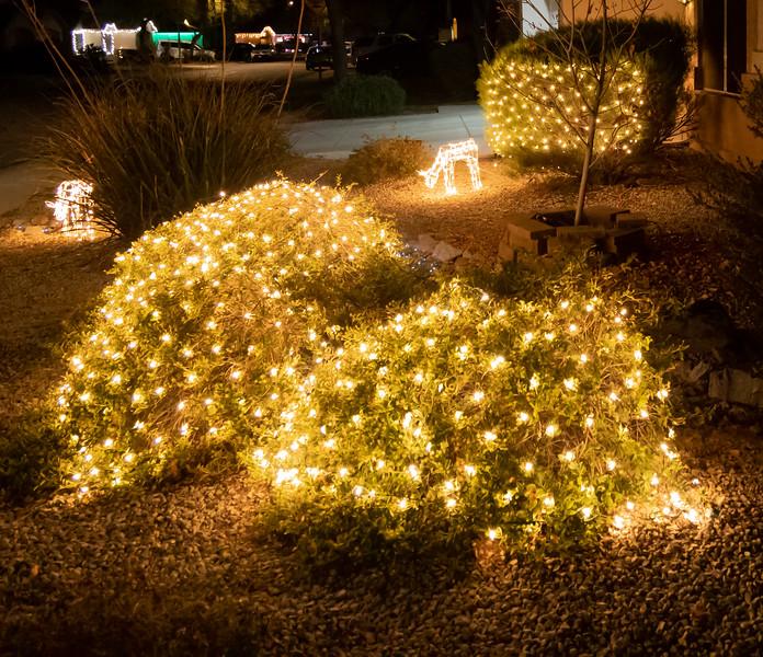 Phoenix Adobe Highlands Neighborhood Lights December 24, 2018  09.jpg