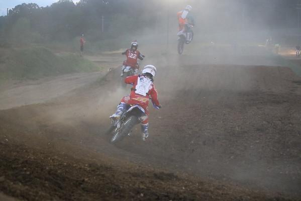 Moto 16 - Schoolboy 85-250cc 12-16 Years, Unlimited B 122cc-Open